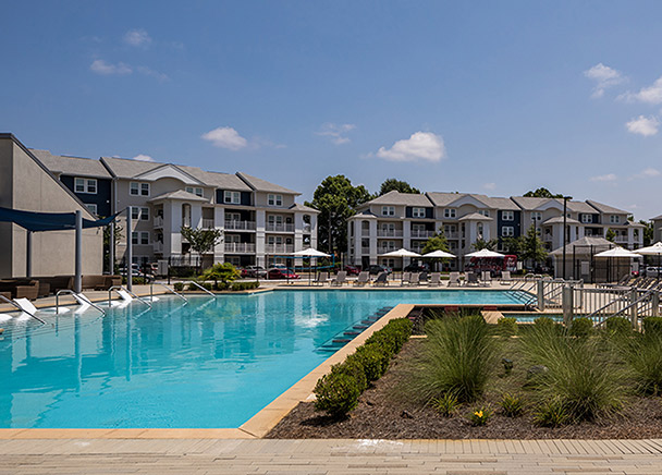 CBRE Brokers Sale of 868-Bed Student Housing Community at University of Alabama