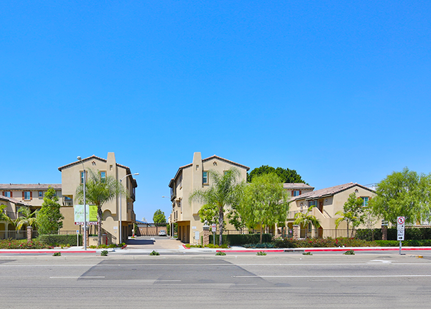 Cbre Announces Sale Of New Luxury Apartments In Orange County For
